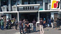 Mahasiswa UIN Jember Segel Kantor Rektorat